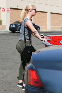 iggy-azalea-shopping-at-target-in-los-angeles-09-26-2016_3