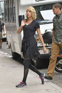 taylor-swift-at-the-gym-in-new-york-city-05