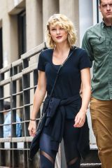 taylor-swift-leaves-a-gym-in-new-york-09-07-2016_8