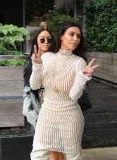 kim-kardashian-leaves-her-hotel-in-new-york-10-07-2016_10