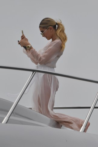 Hailey Baldwin went for a cruise around the harbour this Sunday