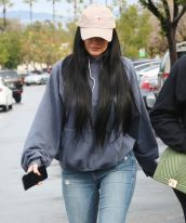 Kylie Jenner arrives Sephora in LA. Pictured: Kylie Jenner arrives Sephora in LA Ref: SPL1417980 070117 Picture by: Pap Nation / Splash News Splash News and Pictures Los Angeles: 310-821-2666 New York: 212-619-2666 London: 870-934-2666 photodesk@splashnews.com