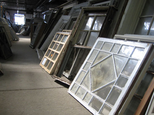 Caravtis Old Windows