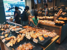 From the bakery, Tous Les Jours. In Korea, there are a lot of chain bakeries and cafes all over. These breads and pastries are baked fresh daily.