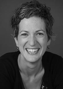 Julia Gray headshot