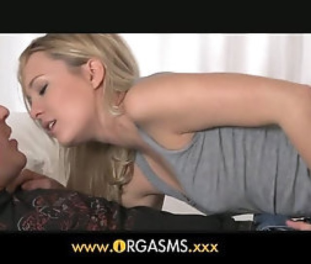 This Teens Mouth Just Wants To Be Given A Hot Thick Cock To Enjoy