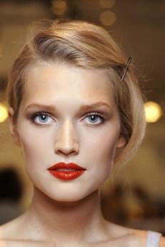 Red Nails Makeup