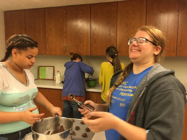 KC1 Young Women Mutual Activity Making Cookies