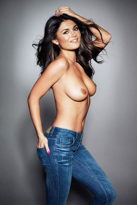 India Reynolds1 - India Reynolds topless in jeans for Page 3