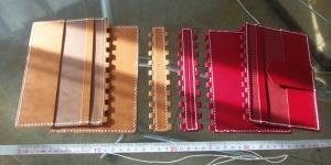 縫い上がったブックカバーのパーツ達