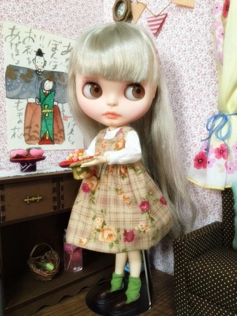 ちらっと写ってるソファーは櫻さんの手作りとのことですよ