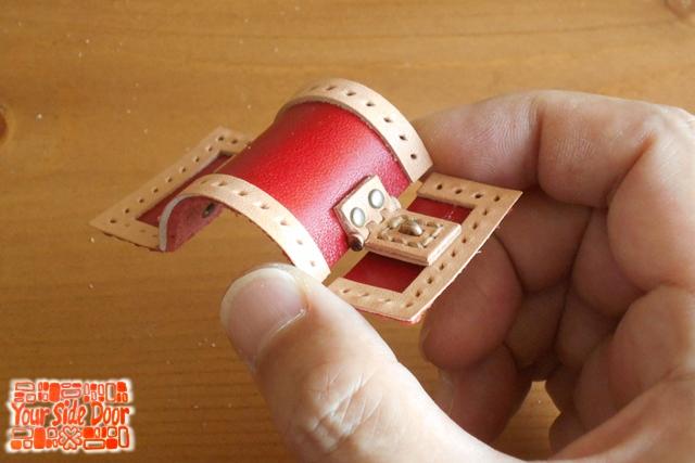 アノ宝箱のマグネットを作ってます