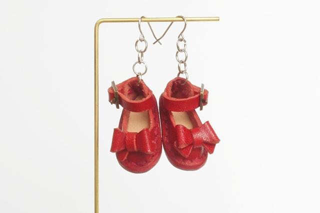 題して「小人の靴のピアス」っで~す