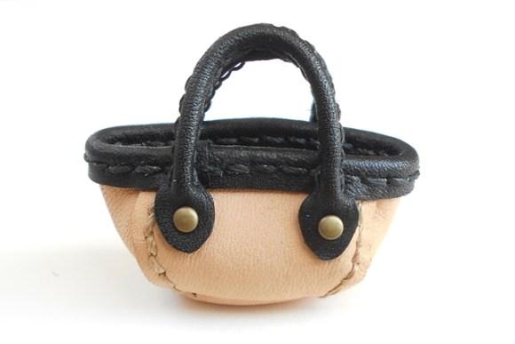 黒と生成りのぷちマルシェバッグです