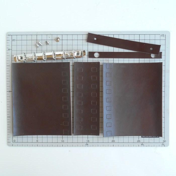 レザー蝶番のシステム手帳、ミニ6穴サイズのパーツ達です