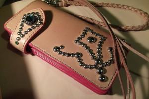 とある風の女性の長財布(レザーウォレット&ロープ)