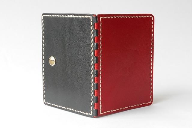 革の蝶番のコインケース mini Navy × Red