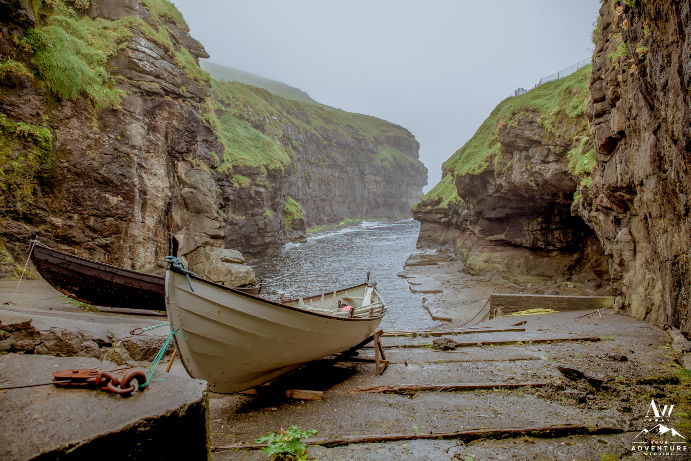 adventure weddings & eloping in the Faroe Islands-Boat in Canyon