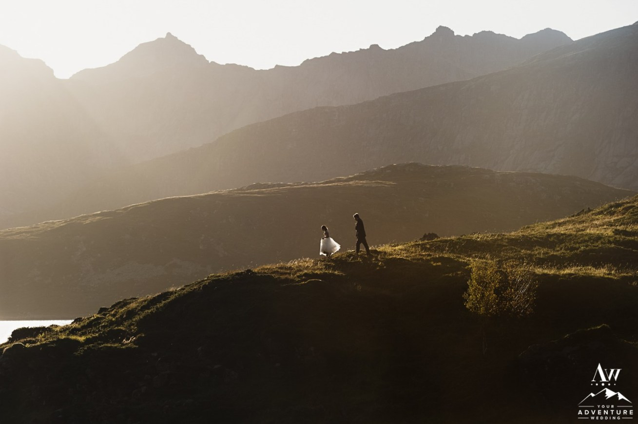 Adventure Weddings & Elopements in Norway-Couple hiking in the mountains