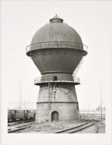 Bernd und Hilla Becher: 'Wasserturm Trier-Ehrang, 1982', Original Silbergelatineabzg von 2009, signiert und nummeriert, lim. Auflage 100 Exemplare, Format 18.5 x 24 cm