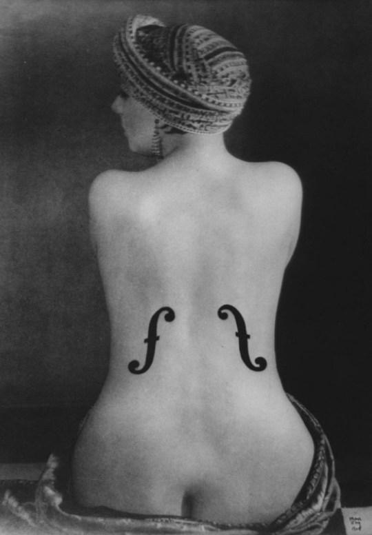 """Man Ray: """"Le violon d'Ingres"""", 1924, Photographic reproduction © Man Ray Trust / ADAGP, BI, Paris 2010. size: 24 x 33 cm"""