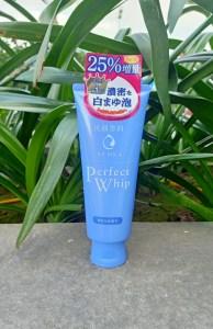Sữa Rửa Mặt Tạo Bọt Senka Perfect Whip Nhật Bản 120g