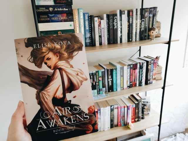 air awakens and bookshelf