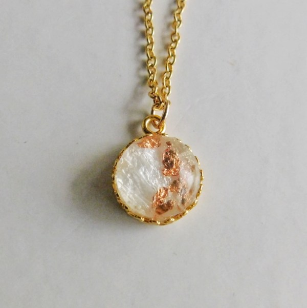 crown of the queen gold necklace