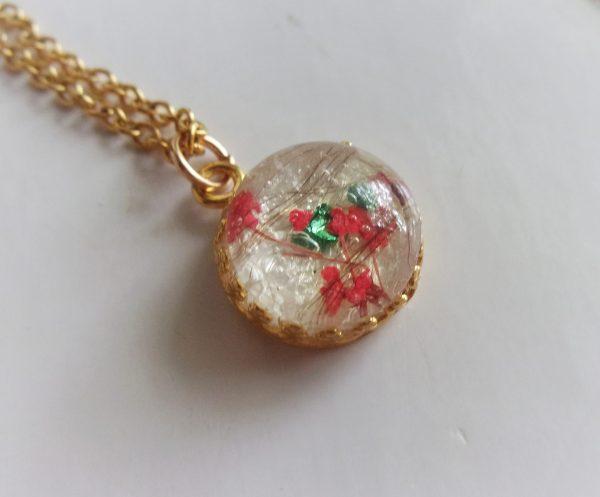gold round crown necklace