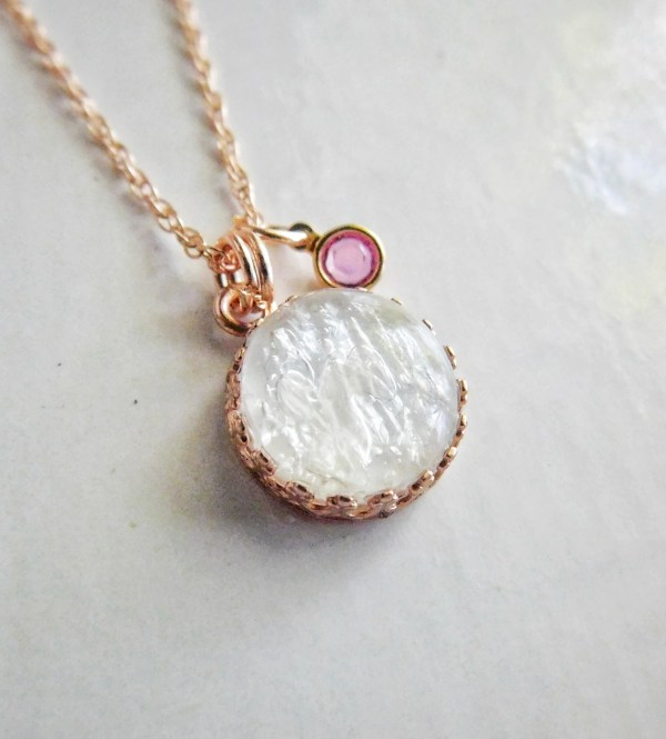 rose gold crown of Queen necklace
