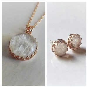 Red Queen Set_ Rose Gold Crown Round Necklace & Stud Earrings