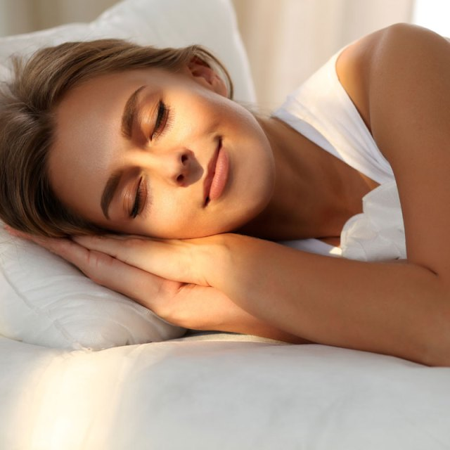 lose weight by sleeping