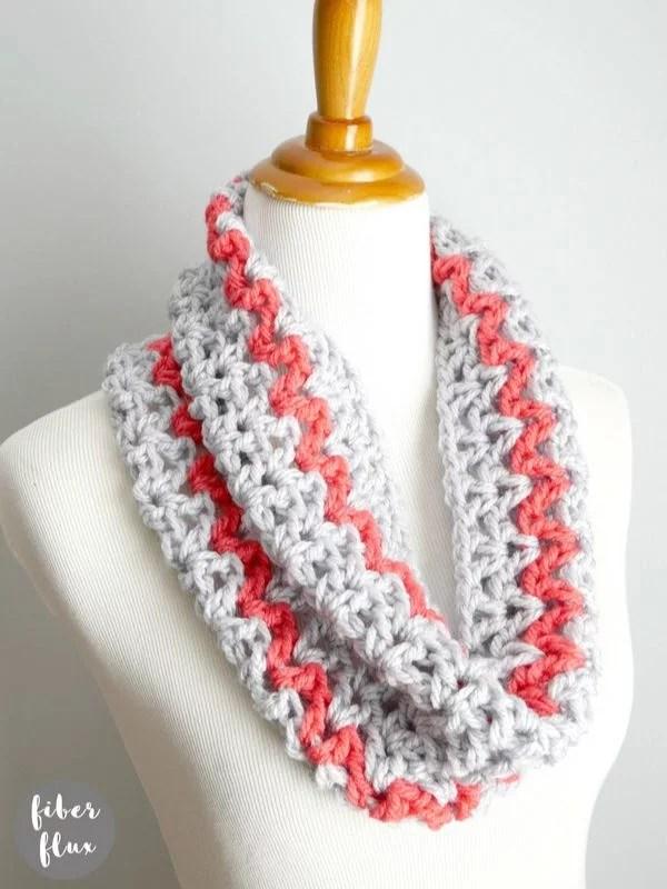 Quick Gift Cowl Free Crochet Pattern