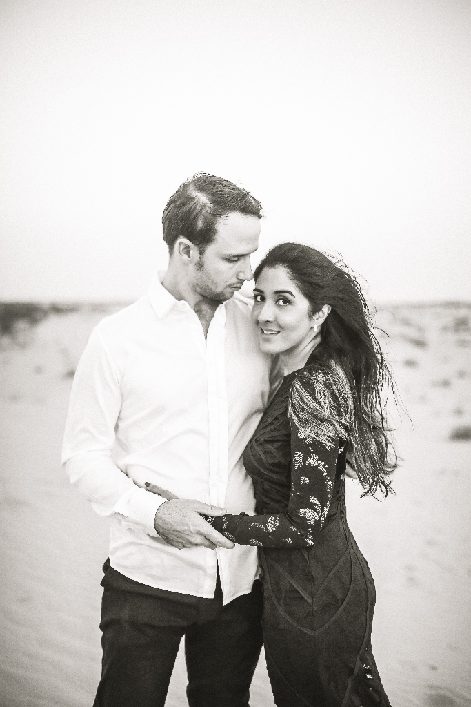 engaged dubai desert shoot
