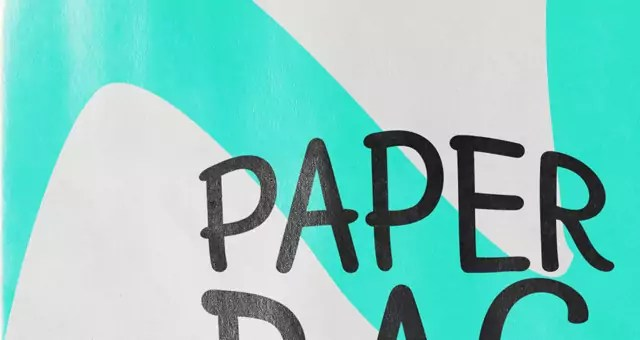 005-paper-cardboard-bag-badge-mockup-presentation-psd-free-graphic-resource