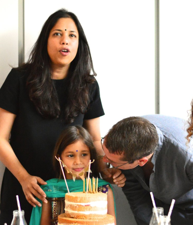 kids birthday party naked cake