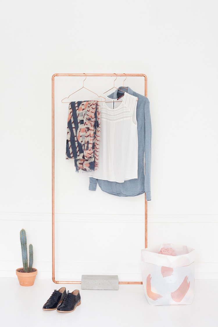 diy-clothes-hanger