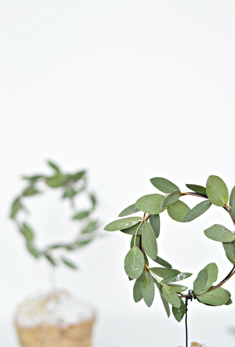 DIY mini wreaths