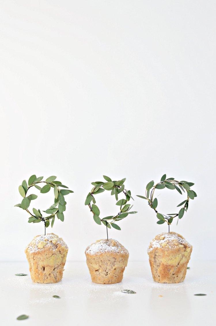 DIY minimal wreaths