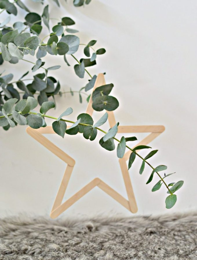 The easiest DIY wooden stars (plus free download)