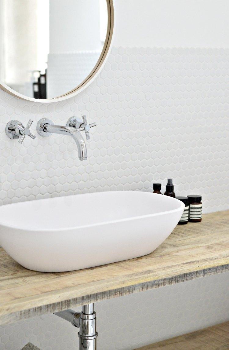 minimal bathroom tips
