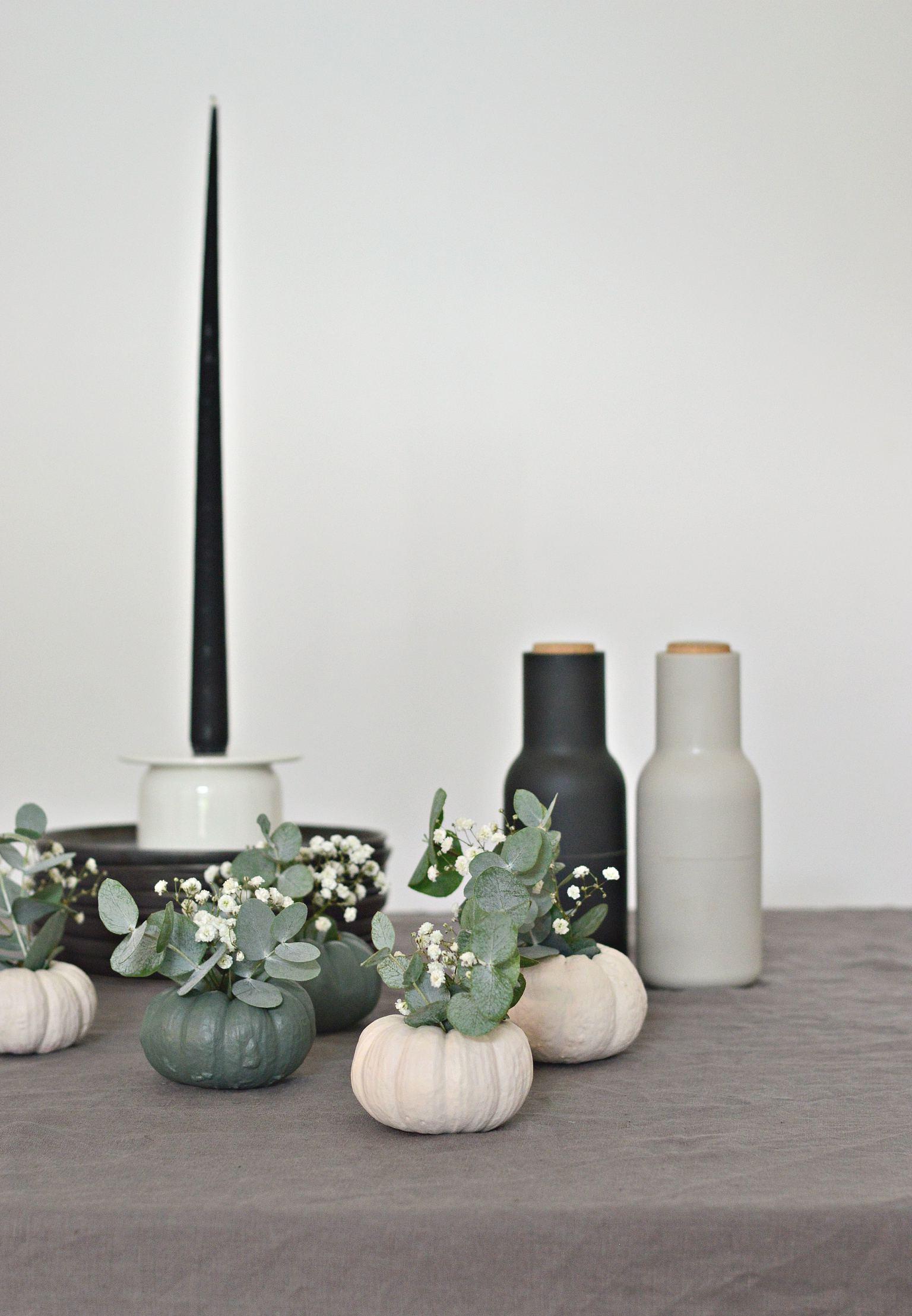 Decorate with diy mini pumpkin vases this halloween diy home diy mini pumpkin vases reviewsmspy