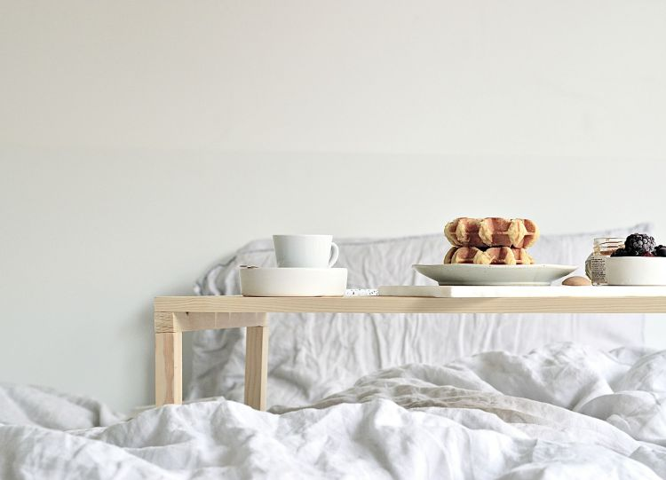 diy breakfast in bed tray table