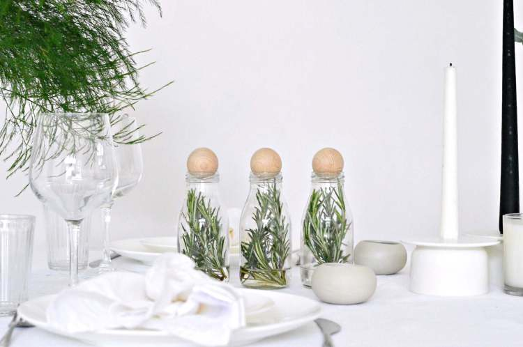 modern table setting Christmas