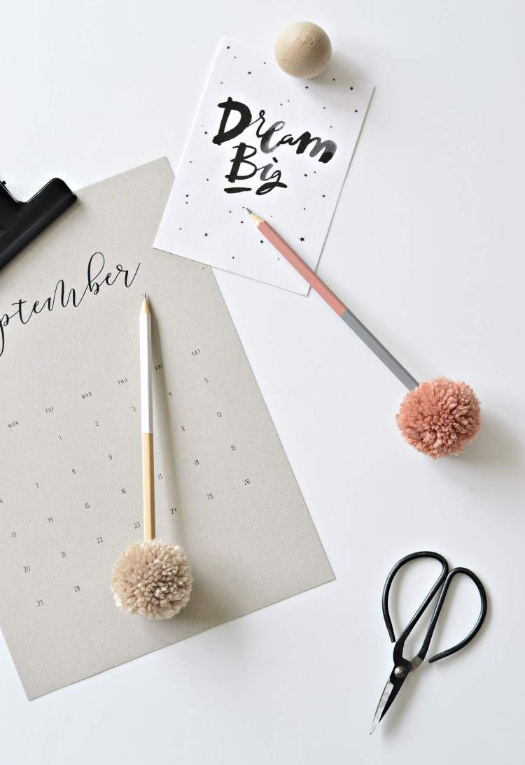 DIY pompom pencil toppers