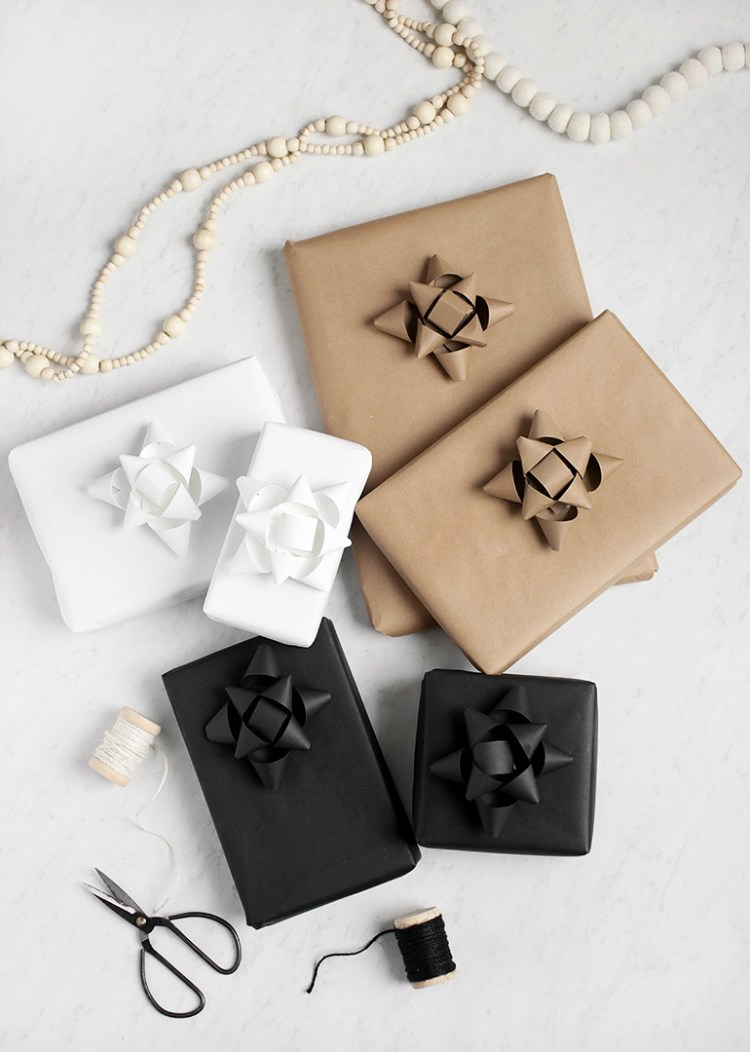 minimalist Christmas gift wrap idea