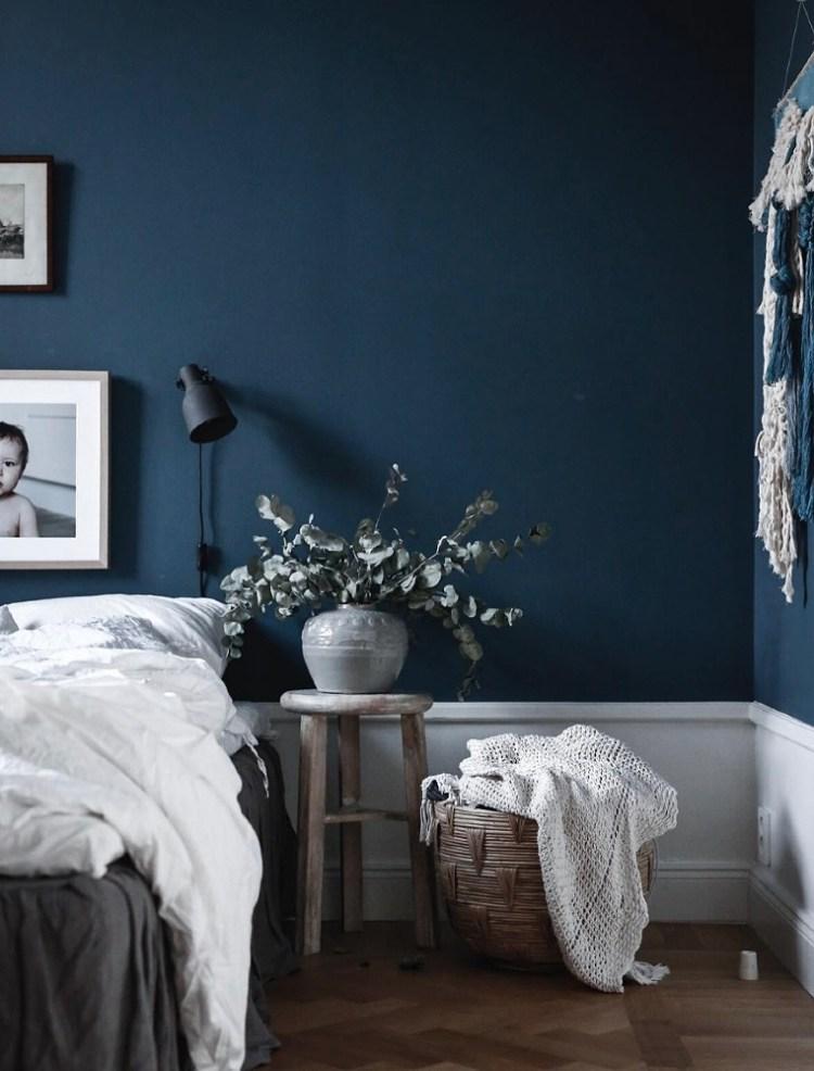 dark bedroom color scheme
