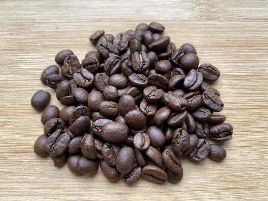 Medium roasted coffee beans.