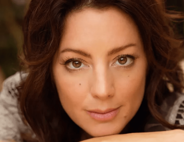 Sarah McLachlan Passes The Curse of The Arms of The Angel on to Maelyn Jarmon Live on The Voice