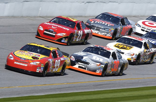 Drivers Start New Racing Association After NASCAR's Confederate Flag Ban